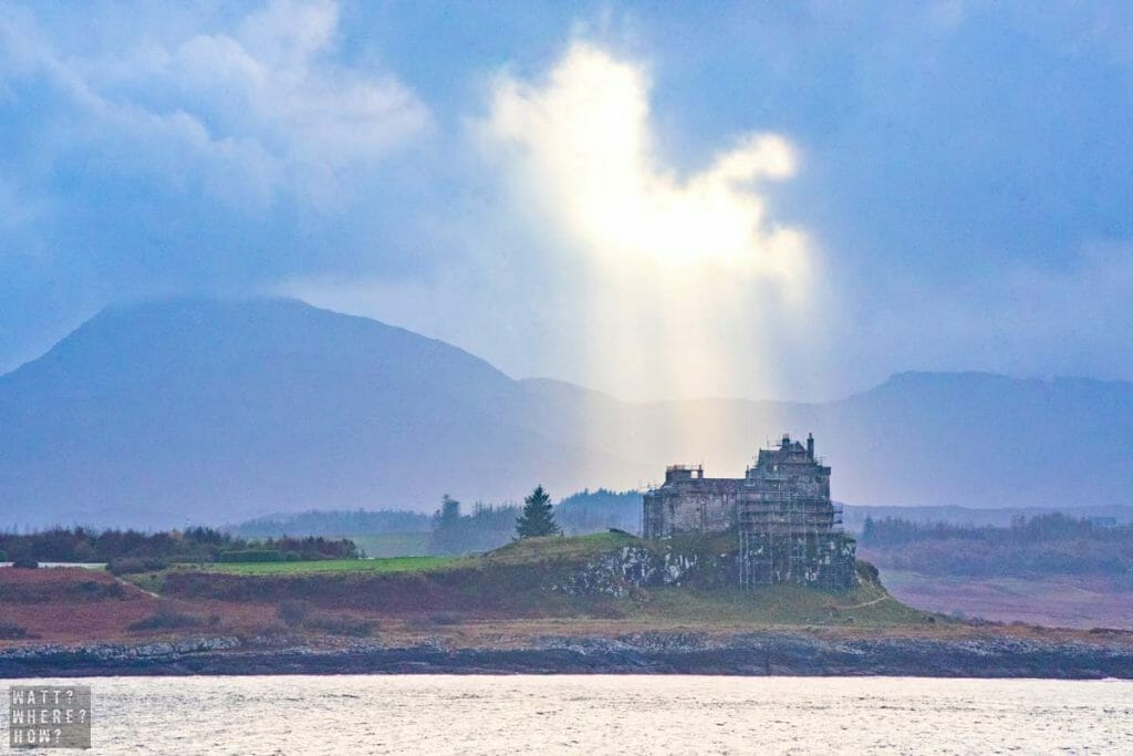 One of the sights, when you take the ferry to Mull from Oban, is the ruined Duart Castle